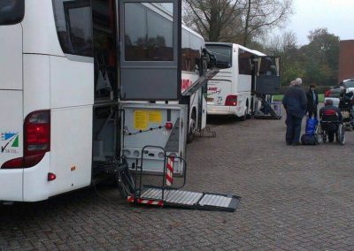 rolstoelbus-huren-voor-groepsreizen-van-minder-validen